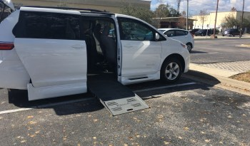 2015 Toyota Sienna Side Entry Wheelchair Van with Six Way Seat & Hand Controls