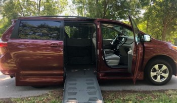 2016 Toyota Sienna Side Entry Wheelchair Van