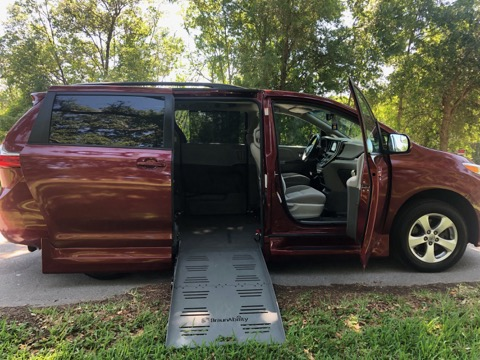 2016 Toyota Sienna Side Entry Wheelchair Van full