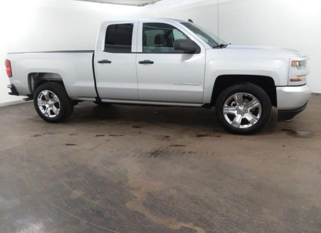 2018 Chevrolet Silverado 1500 DRIVERS SIDE WHEELCHAIR TRUCK full