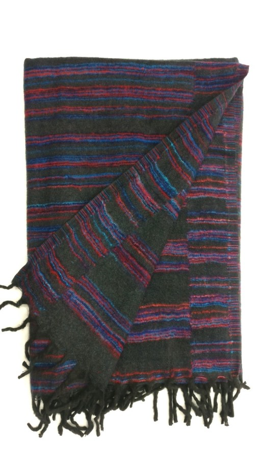 hand-loomed-yak-wool-blanket-black-color-2