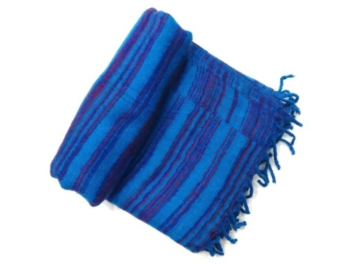 hand-loomed-yak-wool-blanket-blue-color-1