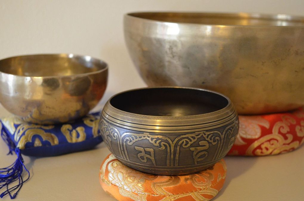 5 Things to Know Before Choosing a Right Singing Bowl 1