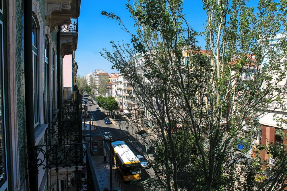 The Artist's Apartment... Lisbon, Portugal (13)