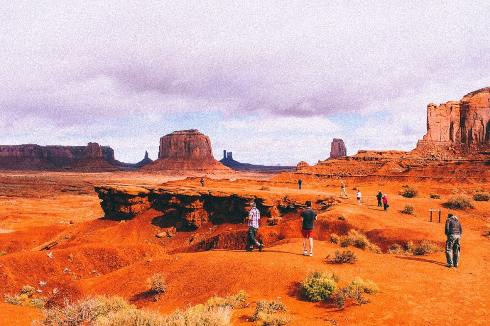 Monument Valley - Zipping back and forth between Utah and Arizona! (4)