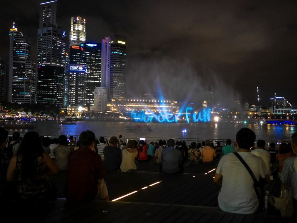 "Fire, Water and Light - The ""Wonder Full"" Spectacular on the Marina Bay, Singapore (5)"