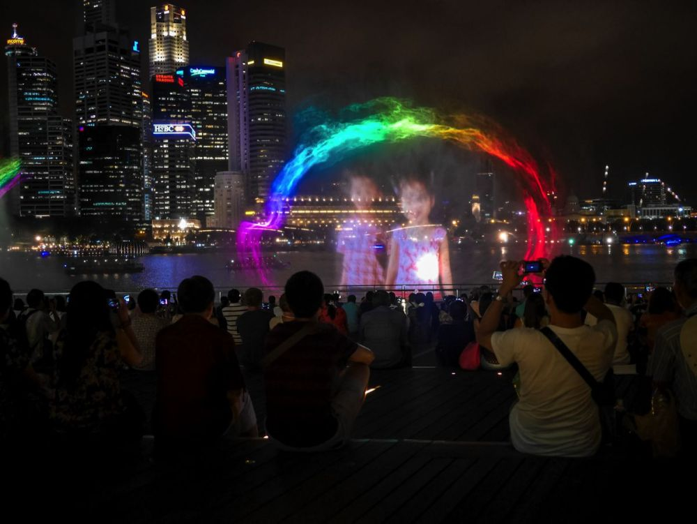 "Fire, Water and Light - The ""Wonder Full"" Spectacular on the Marina Bay, Singapore (8)"