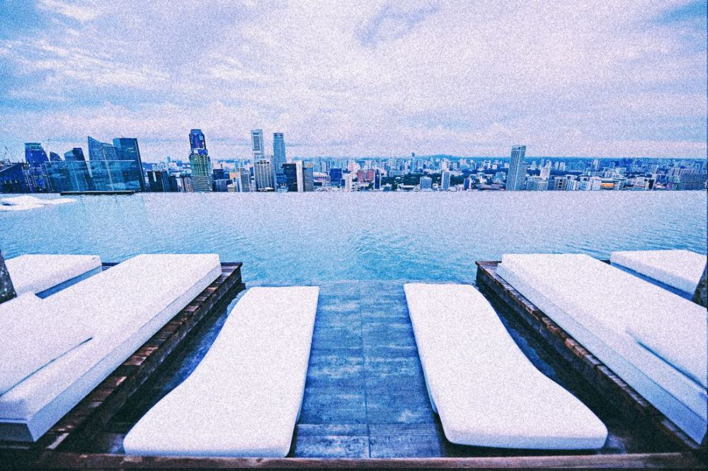 Marina Bay Sands Hotel Infinity Pool and Hotel Room Singapore (2)