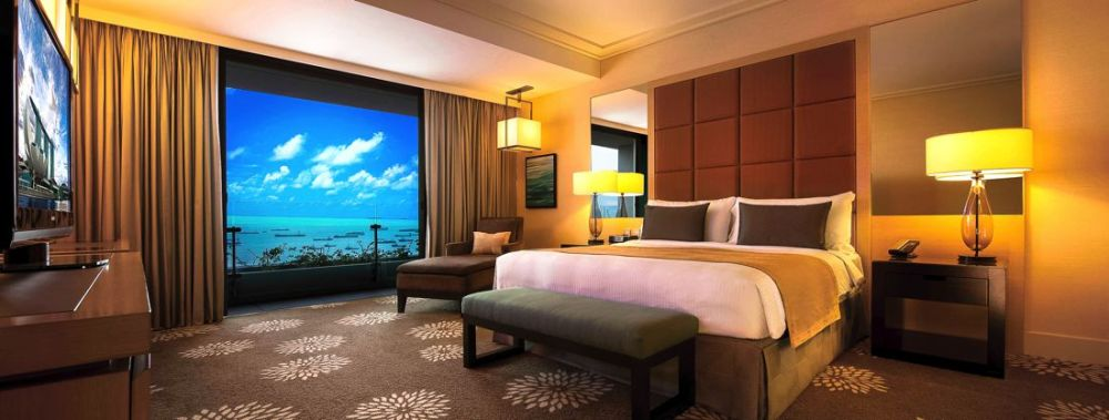 Marina Bay Sands Hotel Infinity Pool and Hotel Room Singapore (1)