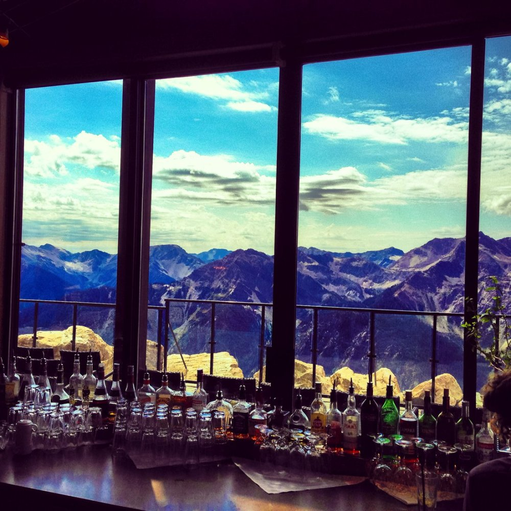 24 Restaurants With The Best Views In The World! (16)