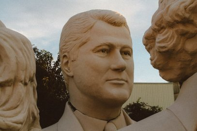 Pit stop in Houston, Texas? Go check out the giant Beatles and US Presidents! (4)