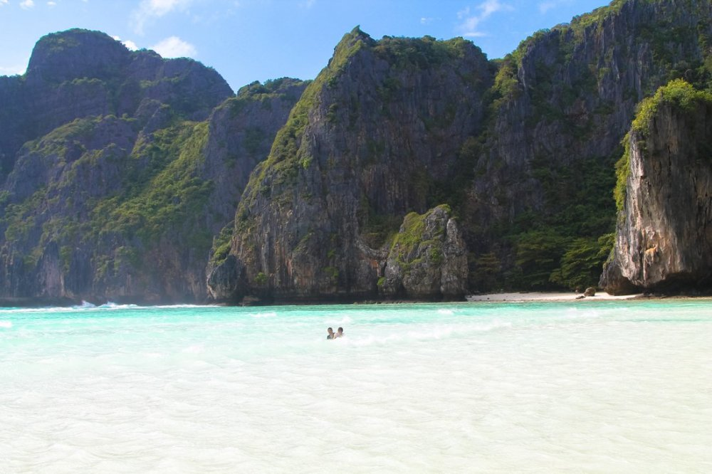 Maya Bay, Phi Phi Island, Thailand on Hand Luggage Only Blog (8)