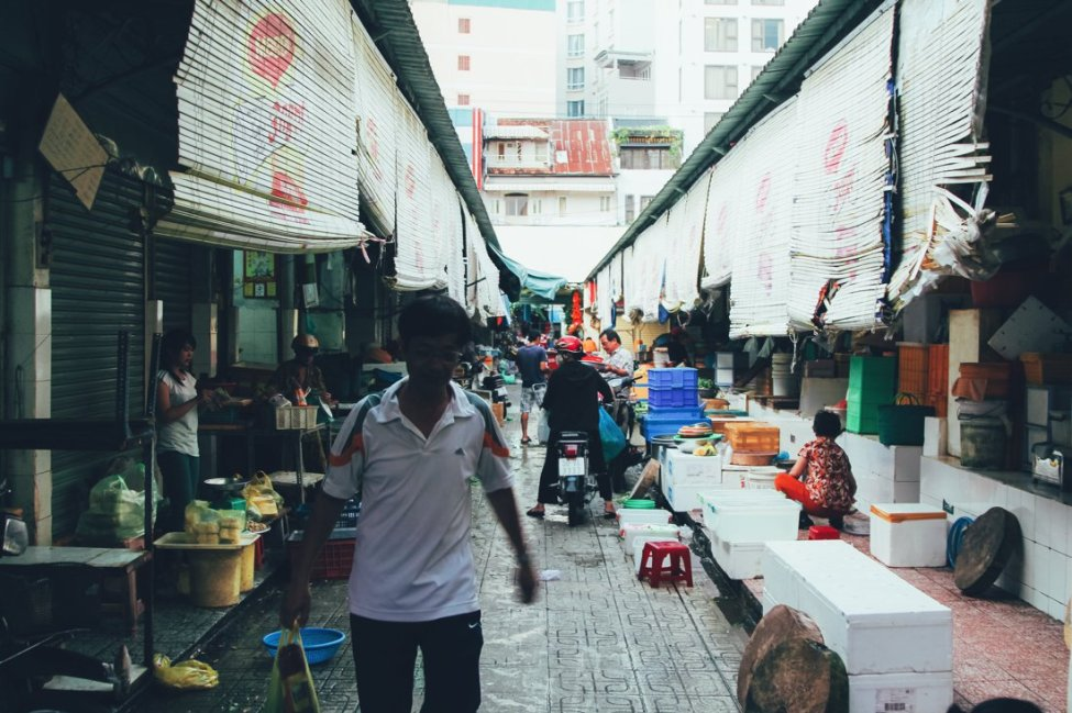 7 Tips To Help You Successfully Negotiate Bến Thành Market, Hồ Chí Minh City in Vietnam (1)