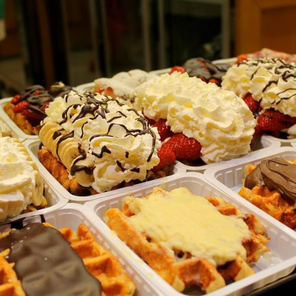 In The Search Of Warmth and Waffles - The First Few Hours In Brussels. (9)