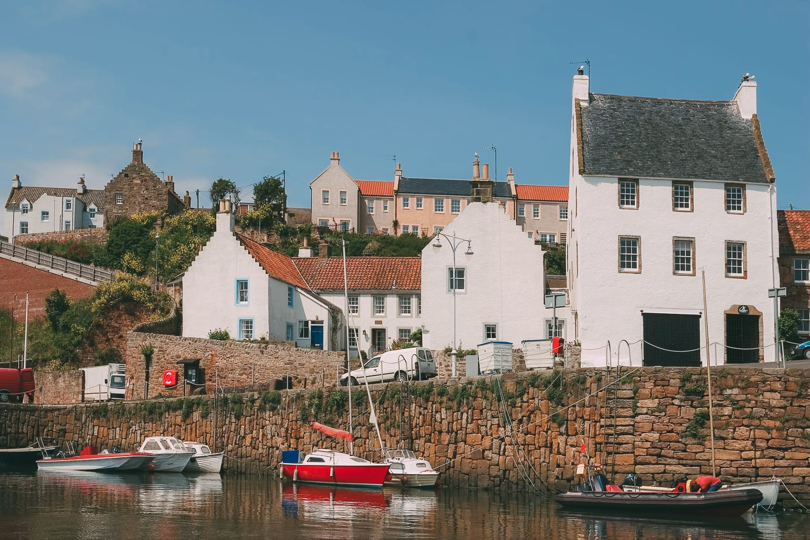Beautiful Villages To Visit In Britain (14)