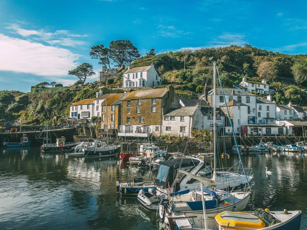 Beautiful Villages To Visit In Britain (6)