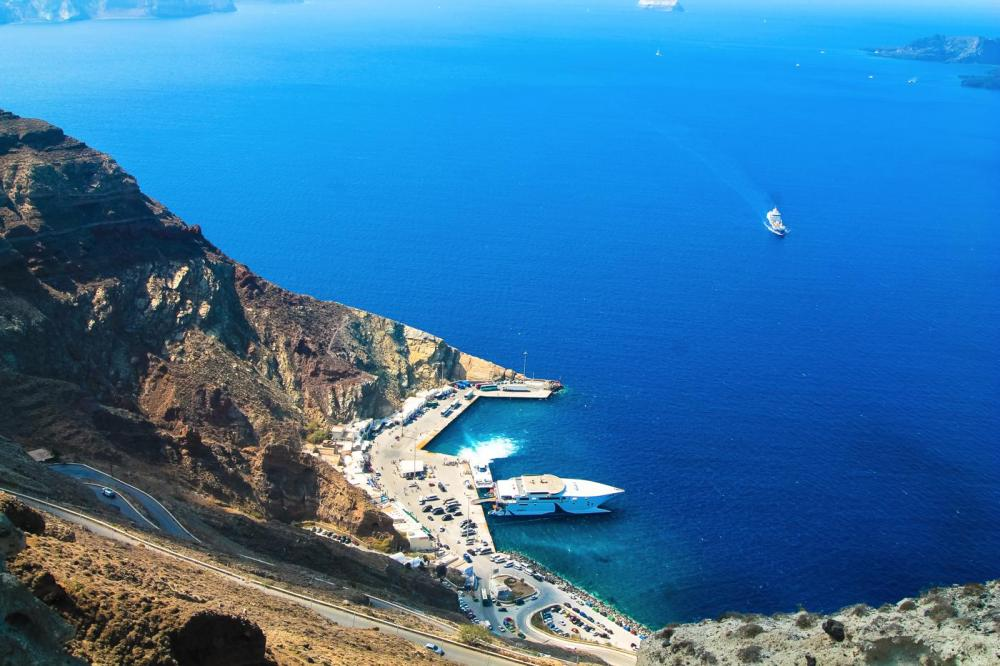 Going Off The Beaten Track in Santorini... (24)
