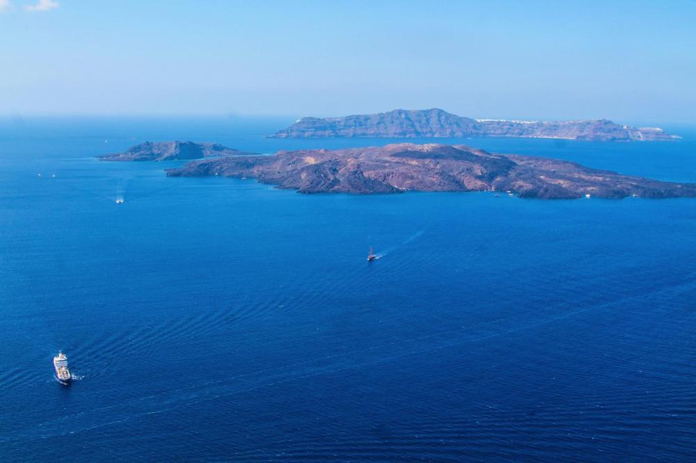 Going Off The Beaten Track in Santorini... (25)