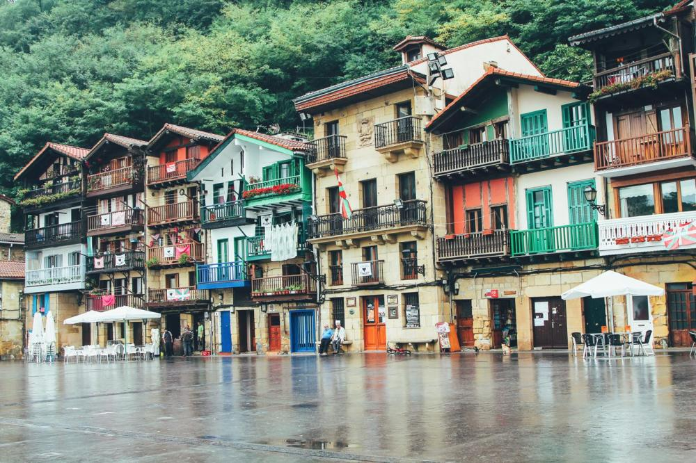 Cobbled Streets, Alley Ways And Seafood... Fish, Monkfish, Hake, Restaurant Ziaboga, Basque Country, Pasaia, Spain (30)