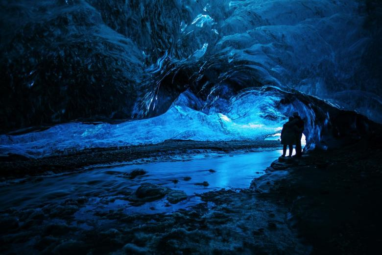 12 Impressive Caves Around The World You Need To See! (6)