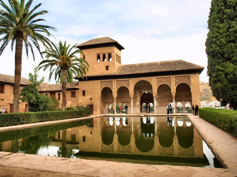 Travel Spotlight: 9 Reasons Why You Should Visit Alhambra in Spain! (4)