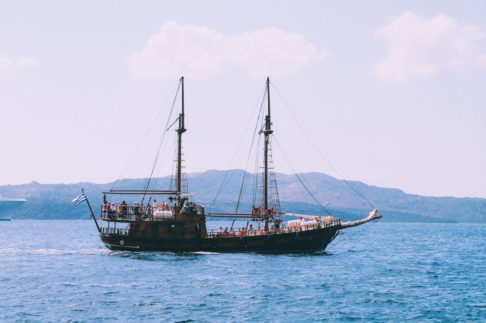 Conquering Volcanos in Santorini, Caldera, Sailing, Boat Trip, Greece (9)