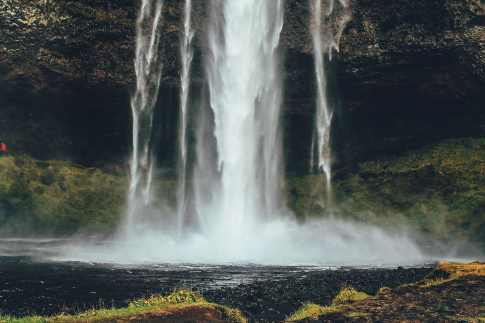 3 Amazing Waterfalls You Have To Visit In Southern Iceland + Plus A Tour Around Reykjavik (29)