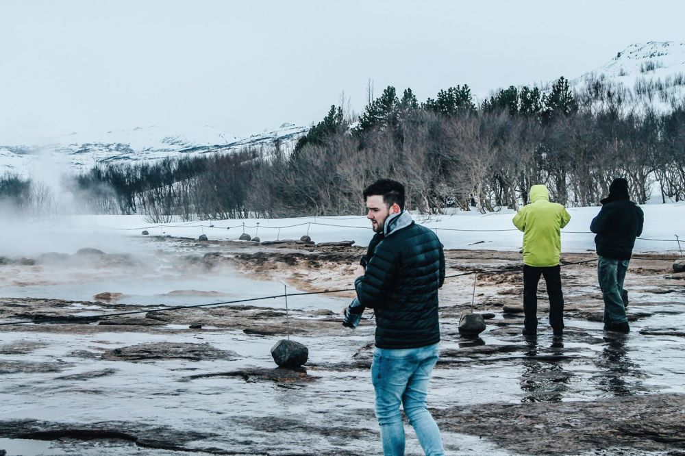The 1st Day in The Land Of Fire and Ice - Iceland! Lava Baking, Geo-Thermal Pools & The Golden Circle (Part 2) (17)