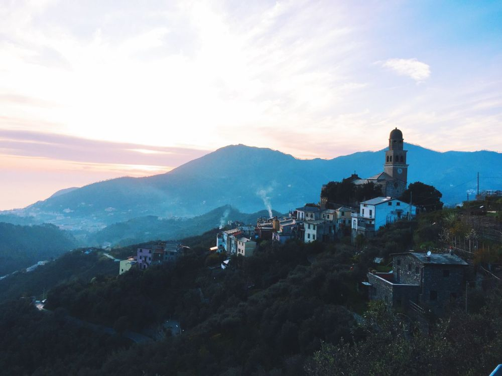 Cinque Terre, Italy, Travel on Hand Luggage Only with Yaya and Lloyd (1)