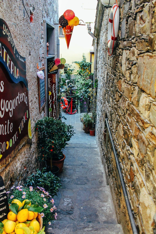 Corniglia in Cinque Terre, Italy - The Photo Diary! [3 of 5] (14)