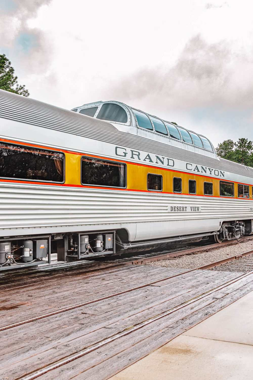 Epic Train Journeys Across The World (3)