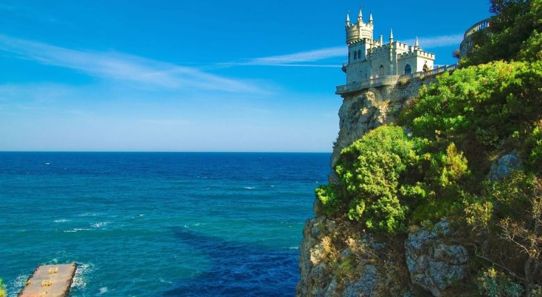 Off The Beaten Track - Swallows Nest, Castle... (6)