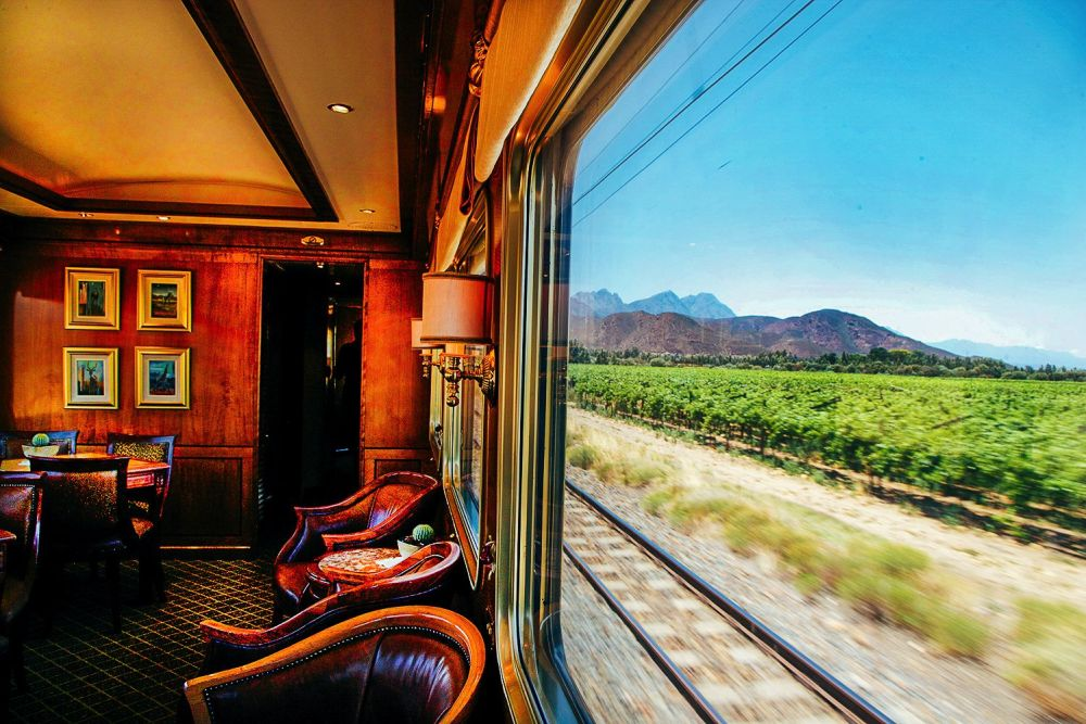 The 15 Most Beautiful Train Journeys Across The World You Have To Travel On! (32)