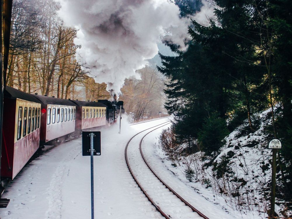 The 15 Most Beautiful Train Journeys Across The World You Have To Travel On! (53)