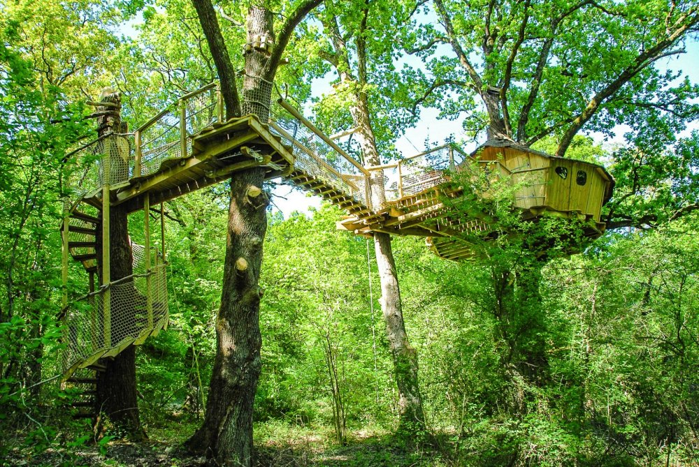 10 Gloriously Quirky Tree Houses To Visit This Year! (2)