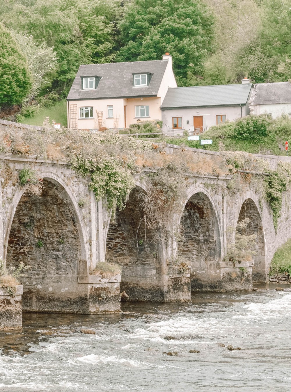Pretty Villages And Towns In Ireland To Visit (27)