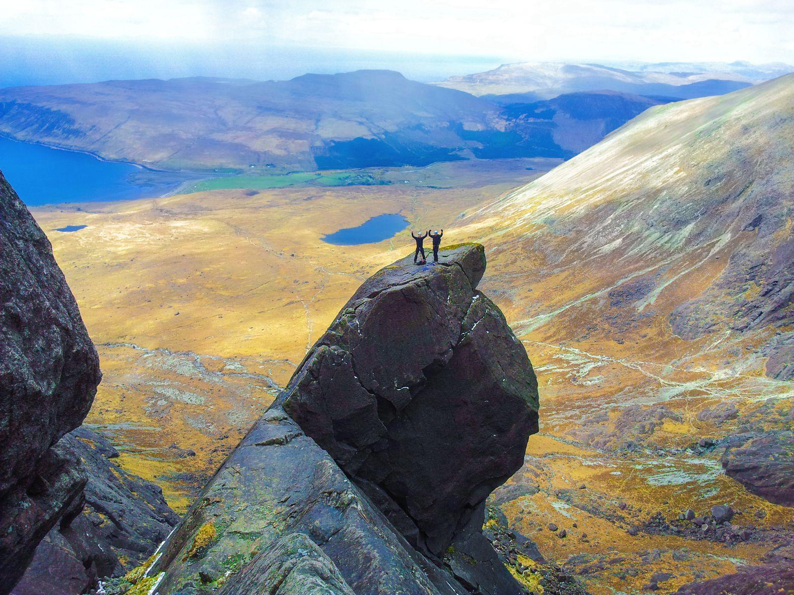 10 Secret Scottish Islands That Every Traveller Must Visit (10)