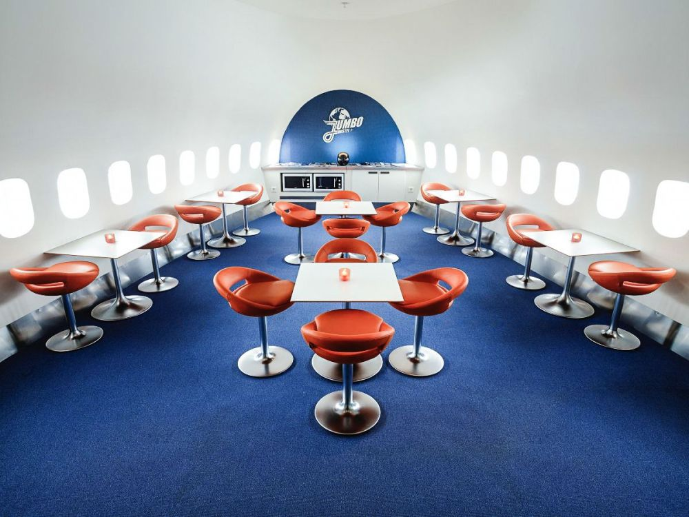 Ever Wanted To Stay In A Jumbo Jet? Now Is Your Chance! (3)