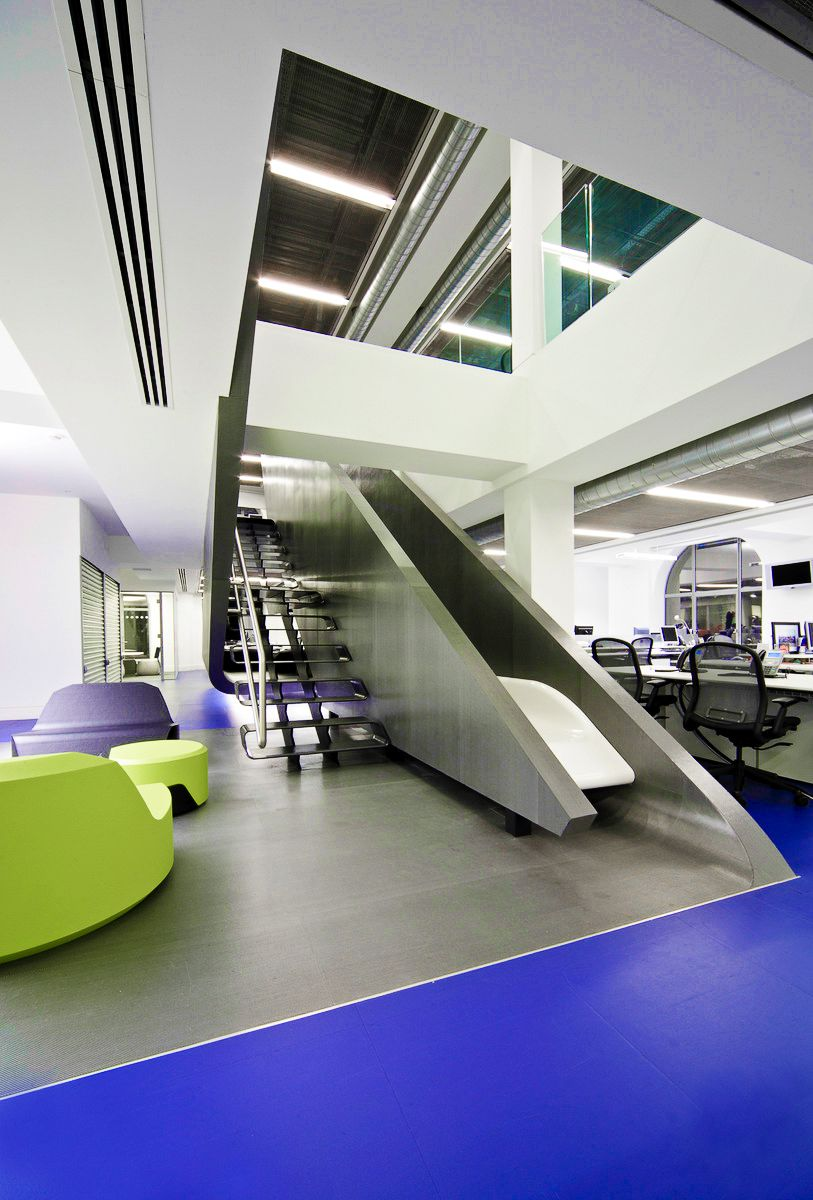 Ultra Cool Office Spaces That You Will Want To Work In (16)