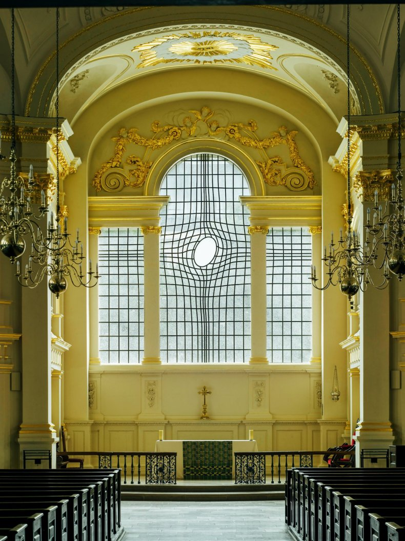 St Martins Window - 14 Things You Cannot Miss In London