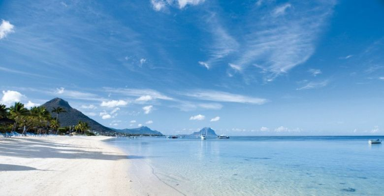 11 Dreamy Beaches You Will Want To Explore In Mauritius (2)
