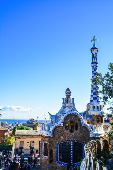 6 Must See Buildings By Gaudi In Barcelona (25)
