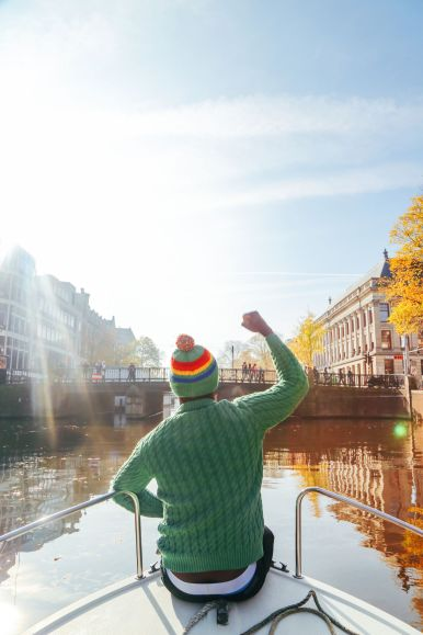 Exploring Amsterdam's Canal (By Driving A Boat For The First Time!) (7)