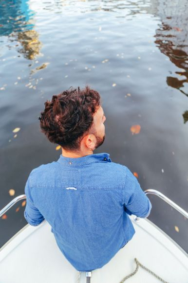 Exploring Amsterdam's Canal (By Driving A Boat For The First Time!) (13)