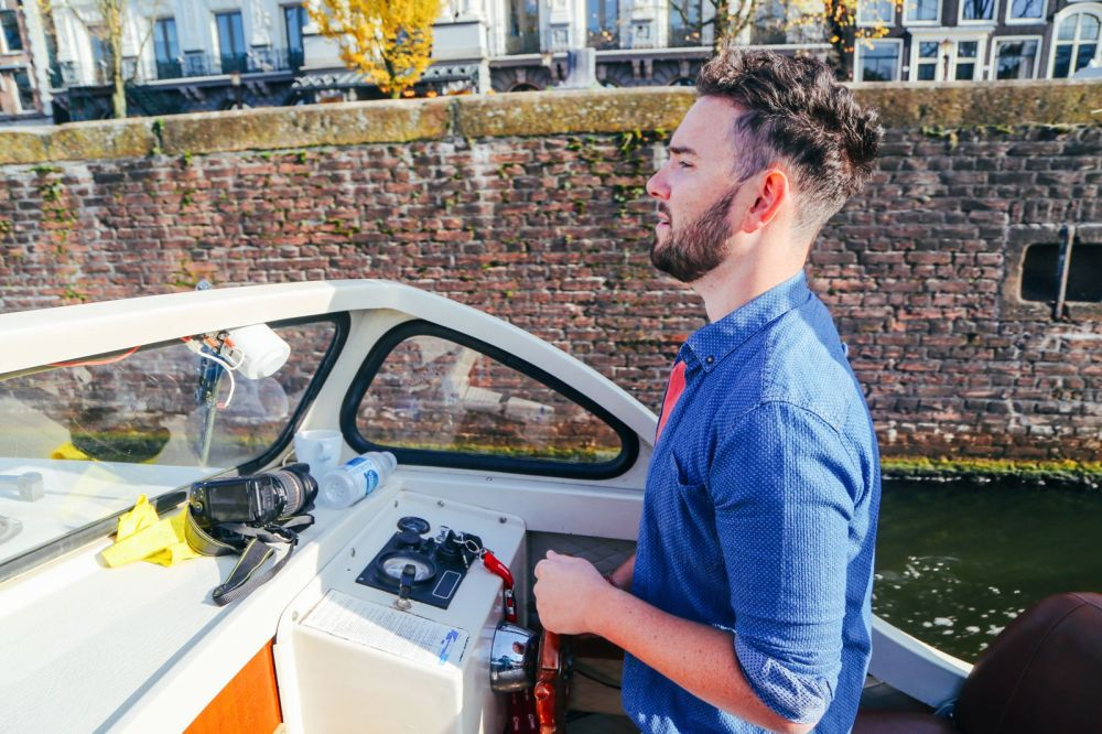 Exploring Amsterdam's Canal (By Driving A Boat For The First Time!) (29)