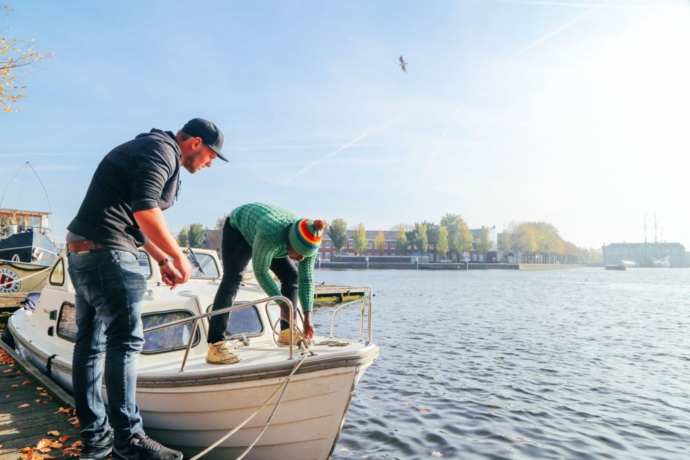 Exploring Amsterdam's Canal (By Driving A Boat For The First Time!) (44)