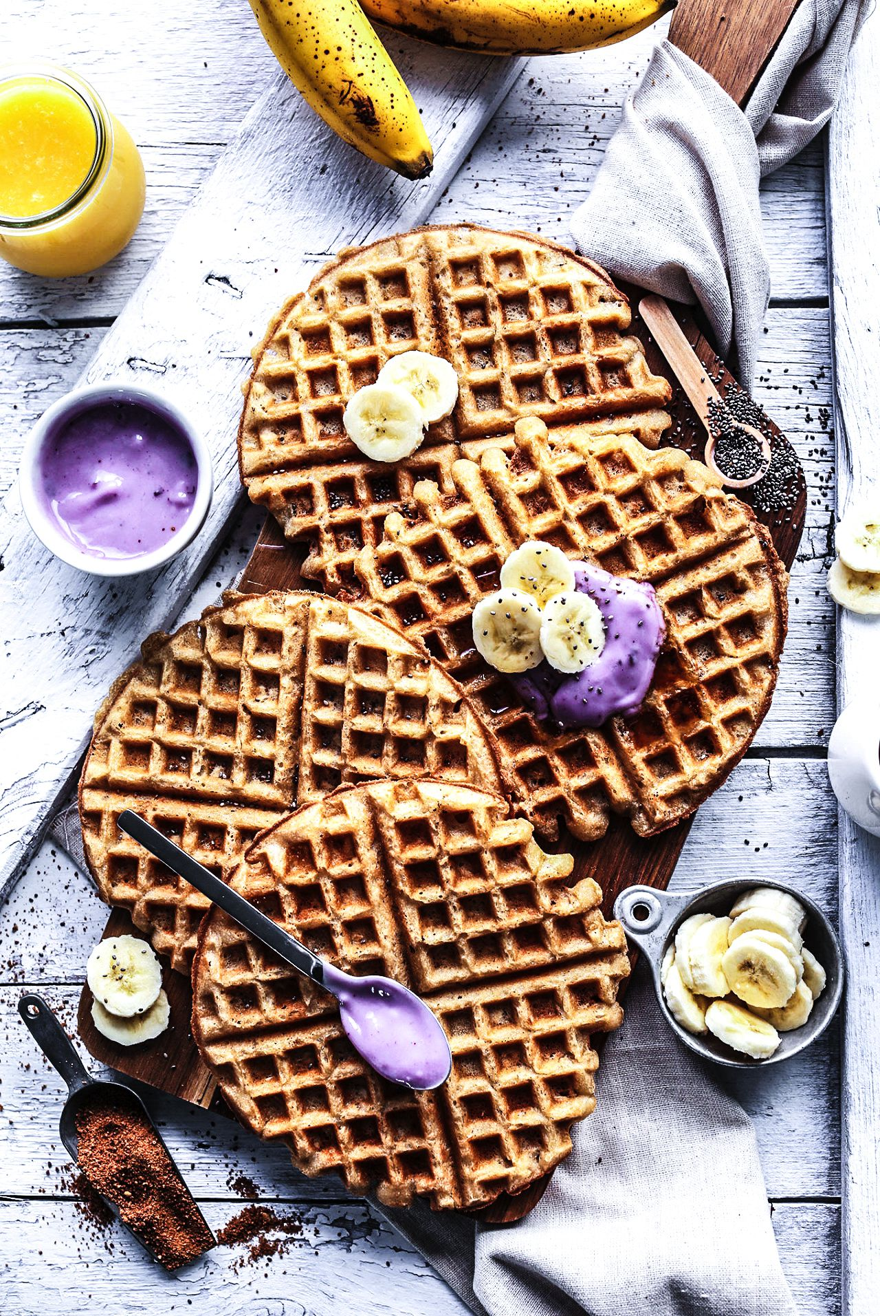 How To Make Indulgently Fluffy Gin And Tonic Waffles (4)