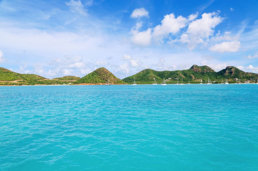 Sailing In Antigua In The Caribbean (12)