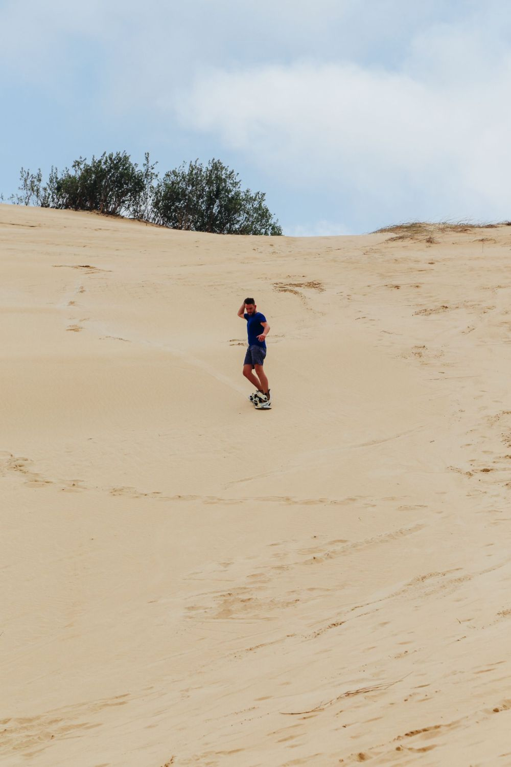 What It's Like To Try Sandboarding For The Very First Time! (23)