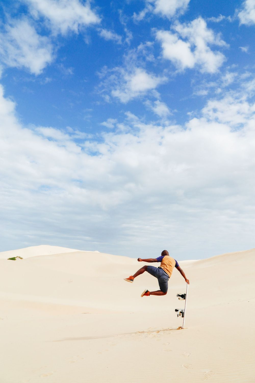 What It's Like To Try Sandboarding For The Very First Time! (43)